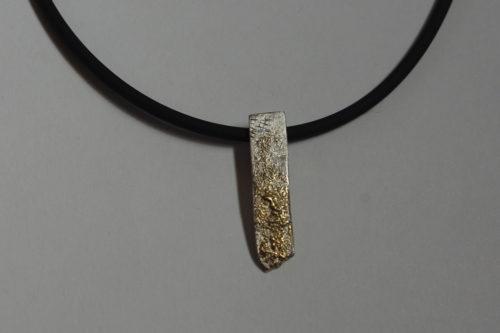 Kettenanhänger Silber, Gold, Kautschuk