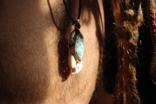 Maori Anhänger Larimar, Silber, Gold, Knochen